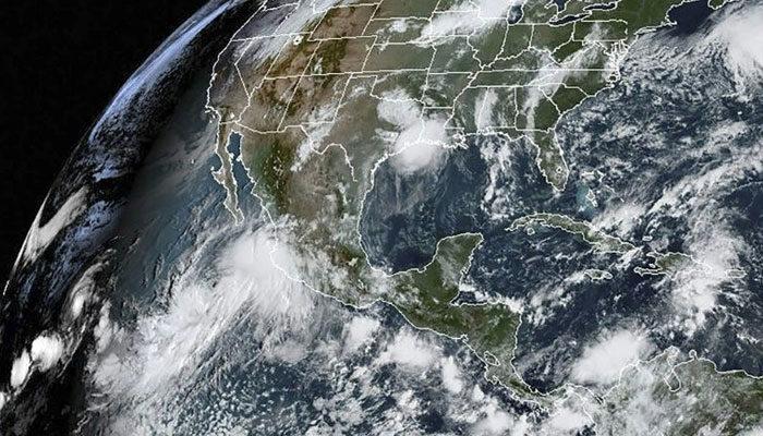 Hurricane Lorena chugs